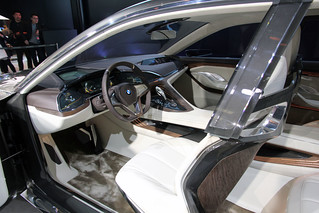 10 BMW-2014-VISION-FUTURE-LUXURY-07
