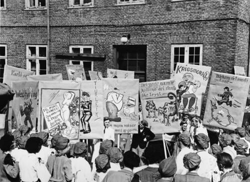 Russefeiring / Avgangselever ved Katedralskolen (1945)