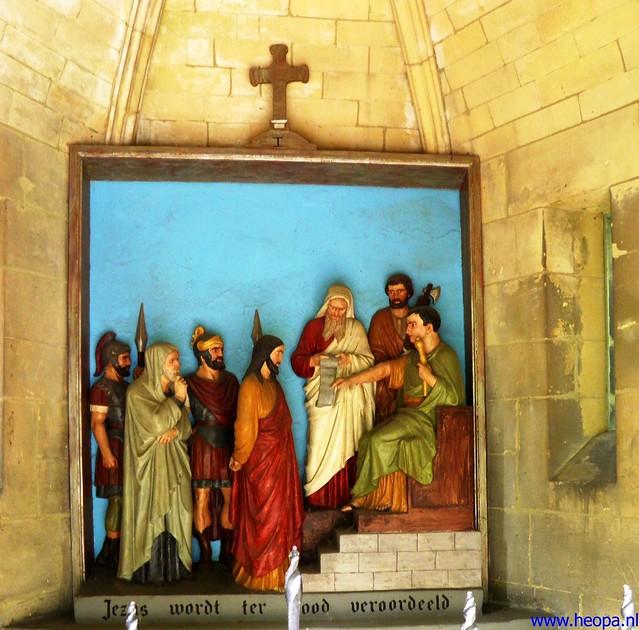 11-08-2012 De Kruisigging  (01)