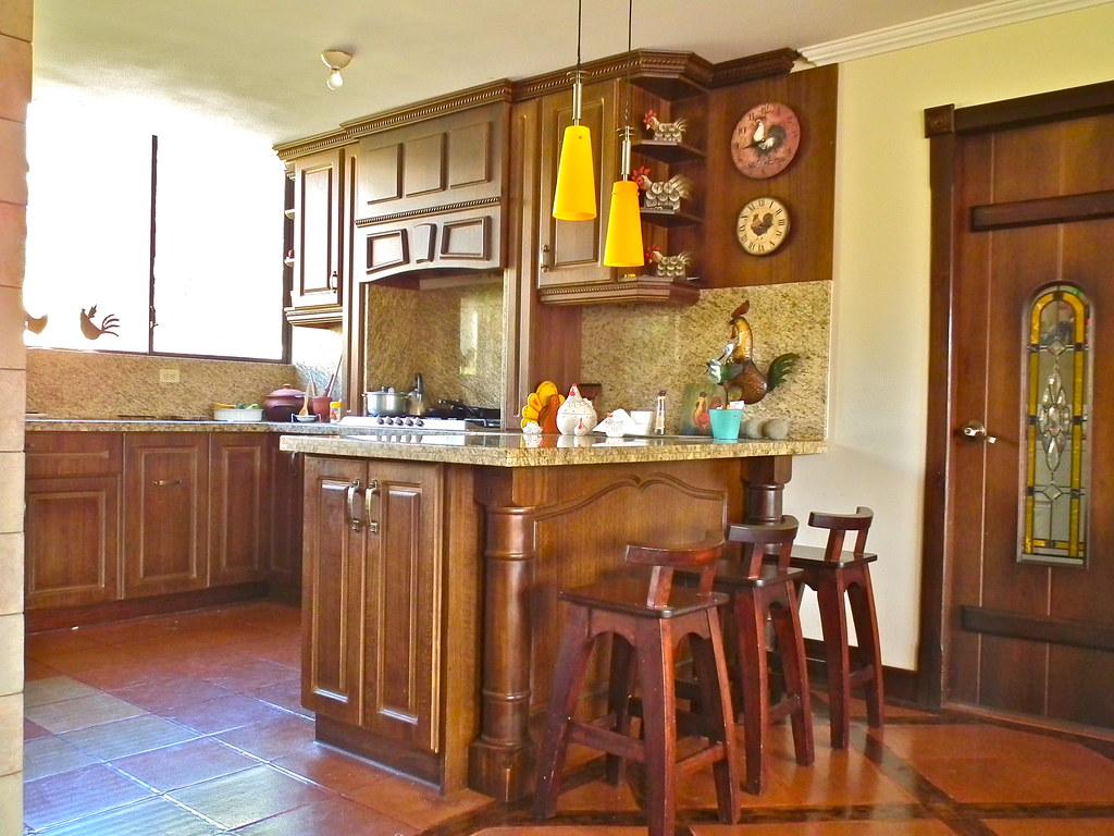 Loja real estate for sale