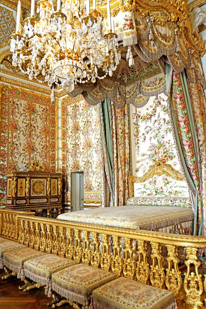 Marvelous France 000403 Marie Antoinettes Bedroom Please No Invi Interior Design Ideas Apansoteloinfo