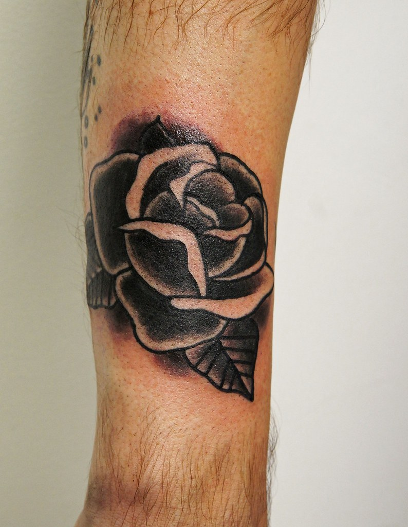 Traditional Black rose tattoo | Traditional black rose tatto… | Flickr