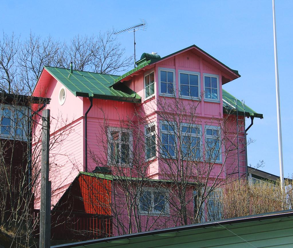 Vaxholm's pink house