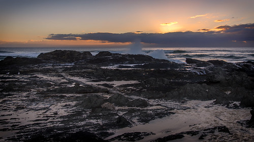 sky sunsetsandsunrisesgold sea sunrise sun cloudsstormssunsetssunrises clouds rocks weather