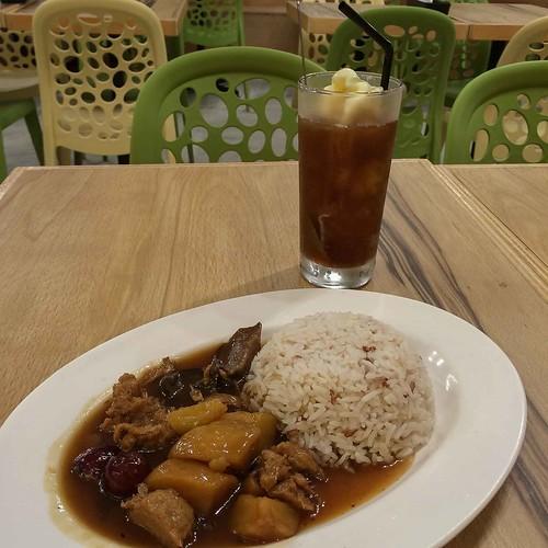 nature_cafe_braised_potatoes_chicken_rice | by littlegreenwok