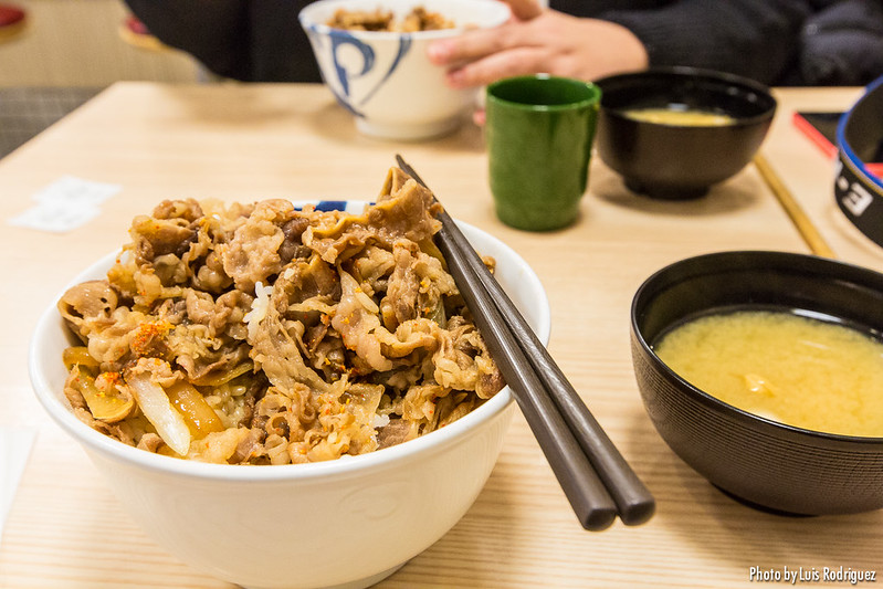 Bol de gyudon en Japón