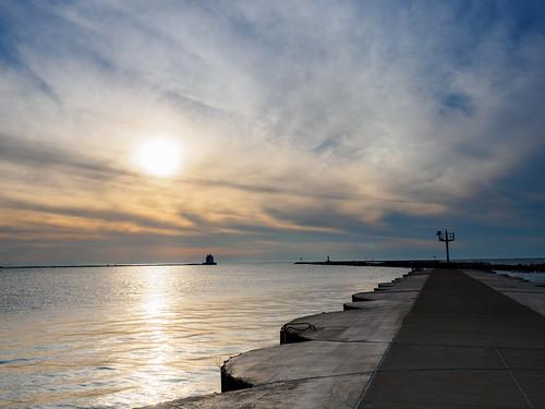 landsscape lakesidelanding ohio sunset spitzermarina lorain unitedstates us