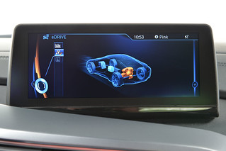 BMW-2014-i8-Int-13