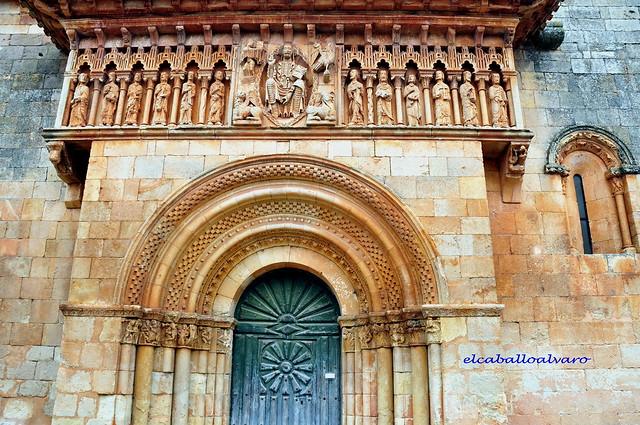 332 - Portada - Iglesia San Juan - Moarves de Ojeda (Palencia) - Spain.