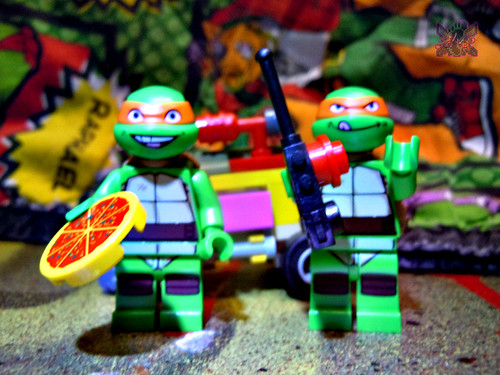 "LEGO TEENAGE MUTANT NINJA TURTLES :: ""Mikey's Mini-Shellraiser"" x / with ""KRAANG LAB ESCAPE"" Mike '12    (( 2014 )) 