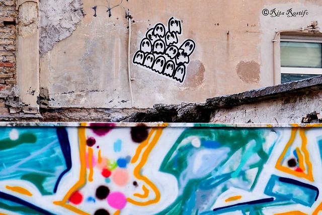Roma. Ostiense. Street art by 5toker and graffiti