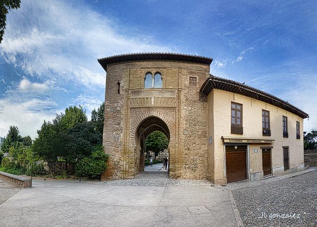 Puerta del Vino, Alhambra