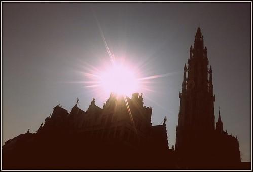 antwerp antwerpen belgium cathedral cathedralofourlady sun onzelievevrouwekathedraal sunrise silhouette grotemarkt markt marketsquare greatmarket unesco unescoworldheritagesite worldheritagesite