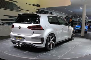 VW-R-400-@-Beijing-Auto-2014-15