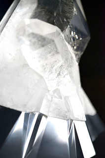 Peugeot-Design-Lab-Onyx-Sculpture-Crystal-&-Aluminium-004