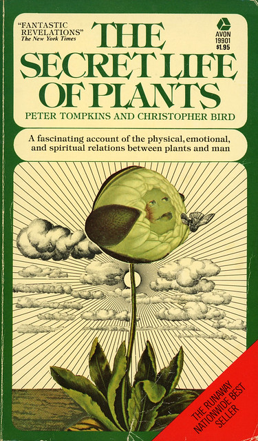 Avon Books 19901 - Peter Tompkins and Christopher Bird - The Secret Life of Plants