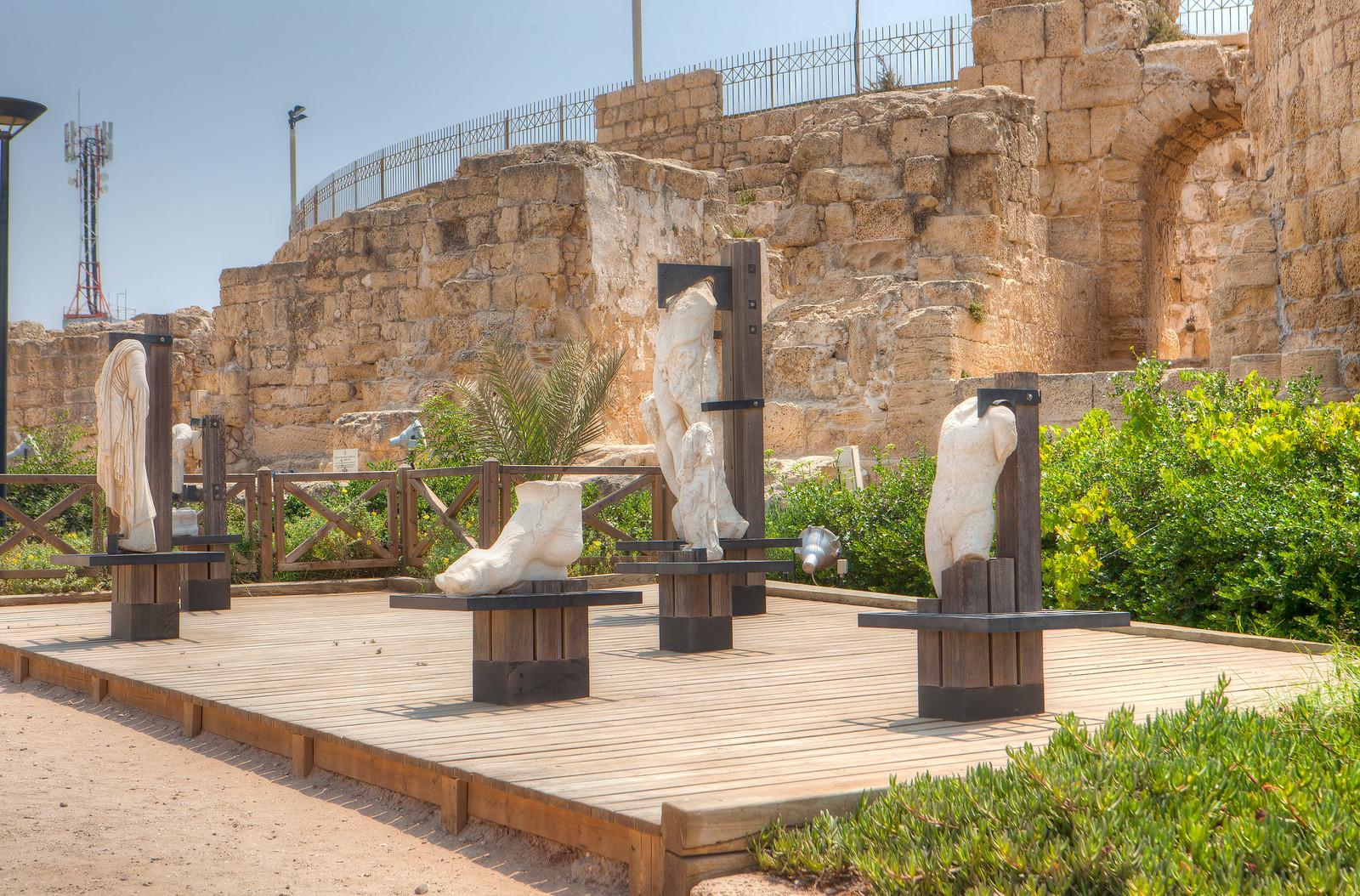 Caesarea_ Marble statues_ Dana Freidlander_ IMOT