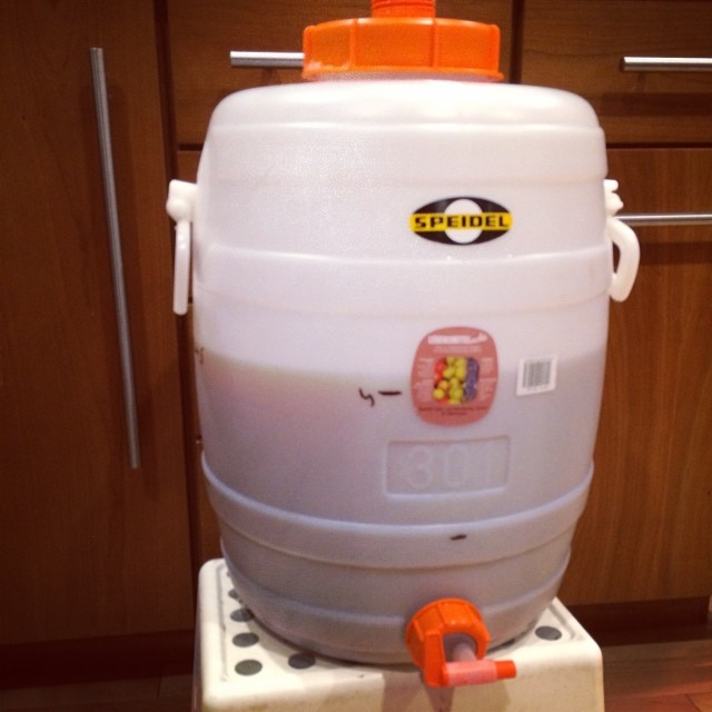 new vessel for secondary fermentation - 5 gal  of hefeweiz