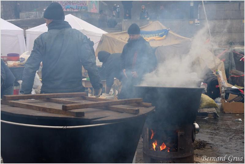 Chaudron de cuisine d'activistes sur le Maidan 21/12/2013 - Kiev Ukraine, photo Bernard Grua DR