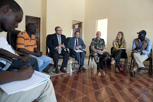 Jack Christofides, Director Africa Division II of the Department of Peacekeeping Operations visits Bambari in Central African Republic | by Mission des Nations Unies en RCA