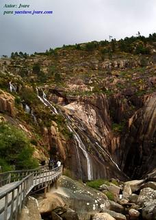 Pasarela acceso Cascada Ezaro | by Jvareblog