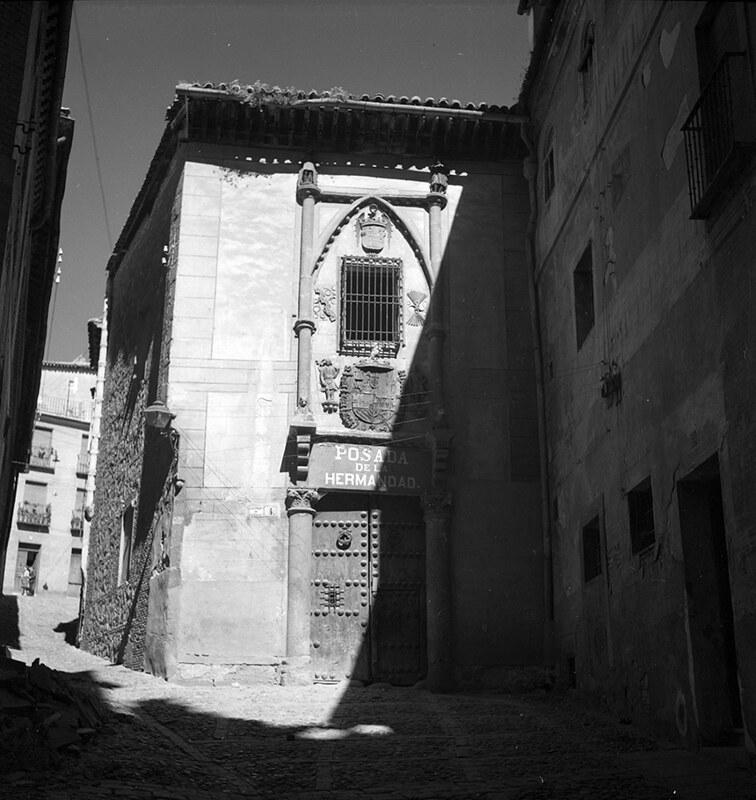 Posada de la Hermandad de Toledo en los años 50. Fotografía de Nicolás Muller  © Archivo Regional de la Comunidad de Madrid, fondo fotográfico