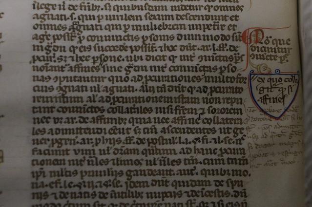 Livre annoté et manicules