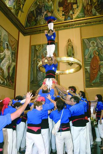 078. Pilar a l'església, 2006 | by Cargolins