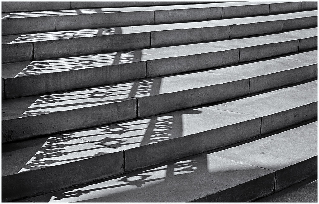 Shadow Gap Staircase Lighting: Escaleras, Luz Y Sombra (Stairs, Light & Shadow)