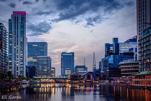 sunset reflection london water buildings lights wharf canary canarywarf eligoren אליגורן