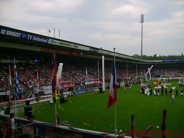 2007-07-16 Startbewijs op halen en vlaggen parade. (79)
