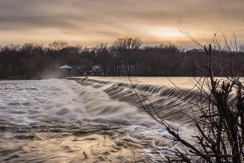 canonef1635mmf4lisusm canoneos6d carpentersvilledam foxriver goldenhour longexposure slowshutter spring2017 sunset water