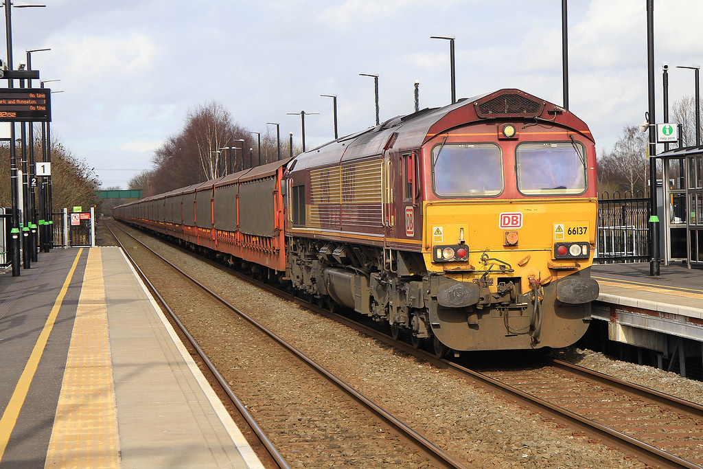 66-137 615K Halewood - Southampton Eastern Dock EDS Coventry Arena 01-03-17