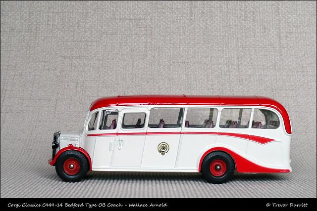 Corgi Classics C949-14 Bedford Type OB Coach Wallace Arnold P1060748