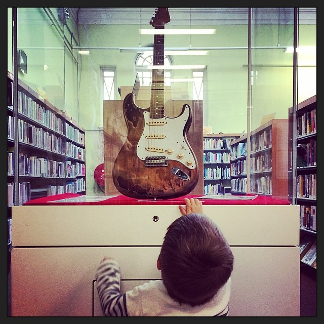 Rory Gallagher's #guitar in #Cork city #library gives LB his own rock star #daydream
