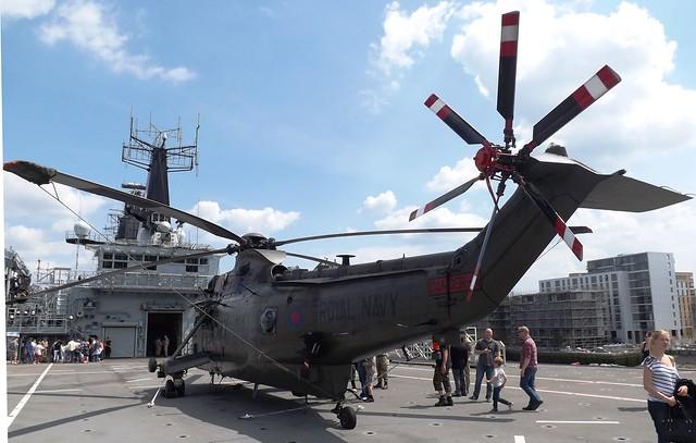 Sea King HC4 ZA296 (2) on HMS Bulwark 01-06-14