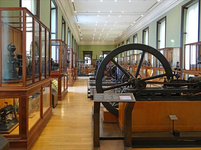 La salle énergie (musée des arts et métiers, Paris)