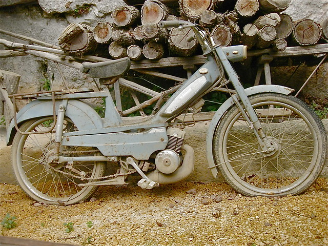 MOTOBECANE (?) moped