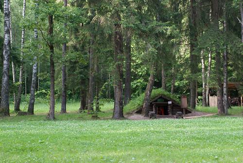 green museum belarus dugout reconstruction partisan stankovo