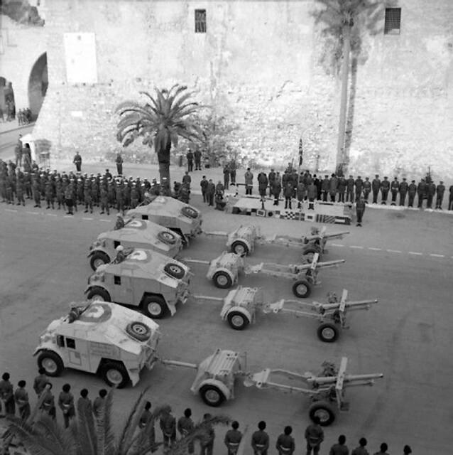 25-pdr field guns and 'Quad' artillery tractors