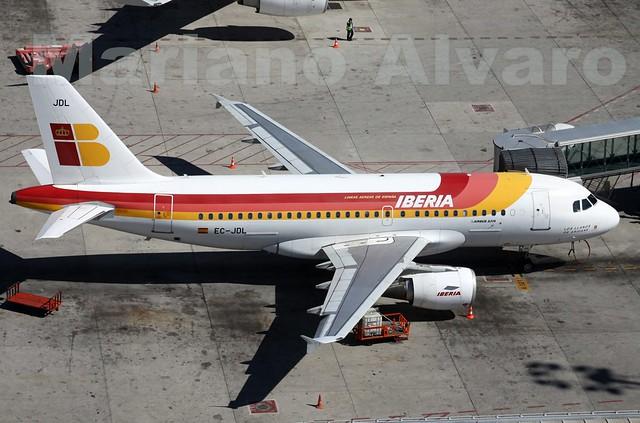 02. Airbus A319-111 (EC-JDL)