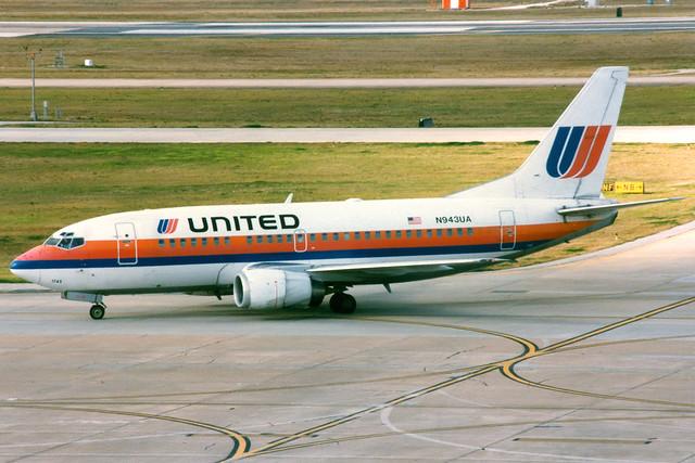United Airlines | Boeing 737-500 | N943UA | Houston Intercontinental