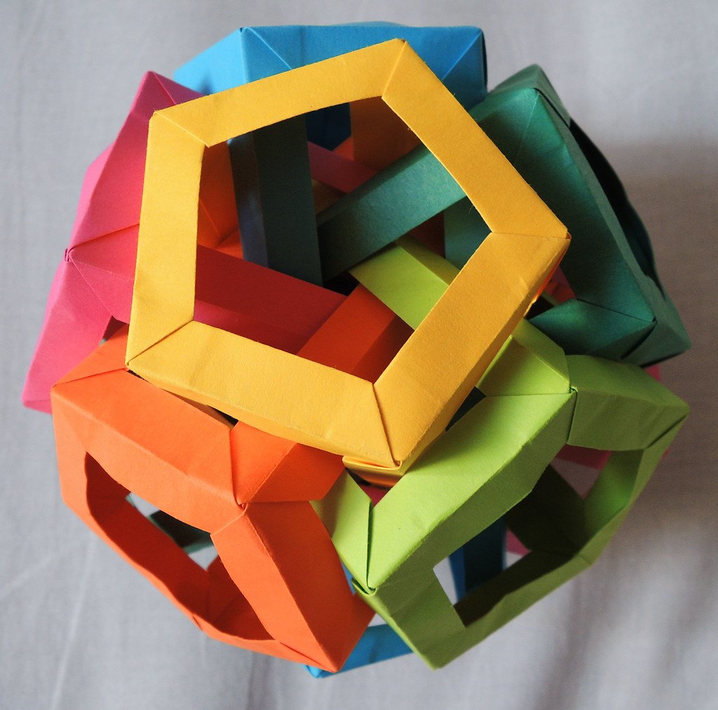 Five Interlocking Triakis Tetrahedra (Daniel Kwan) | Origami ... | 1012x1024