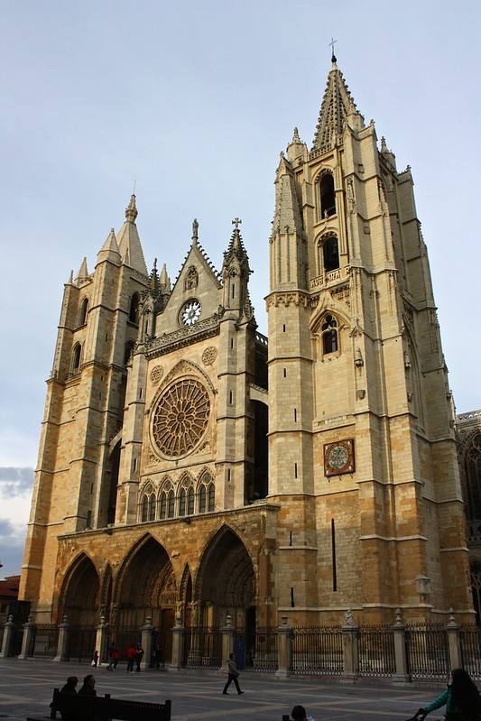 León, March 2014