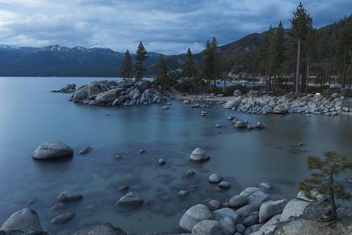 beach rocks nevada laketahoe sierranevada alpinelake clearwater crystalclear sandharbor sandharborstatepark