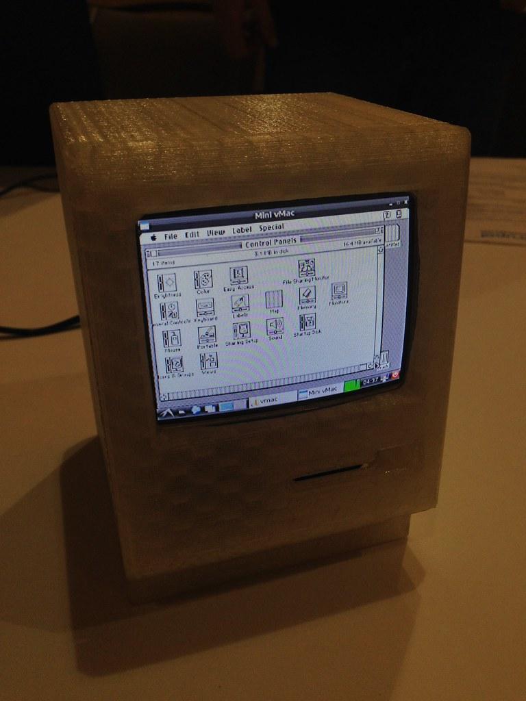 MacPi | Raspberry Pi running a Mac OS emulator, hiding in a