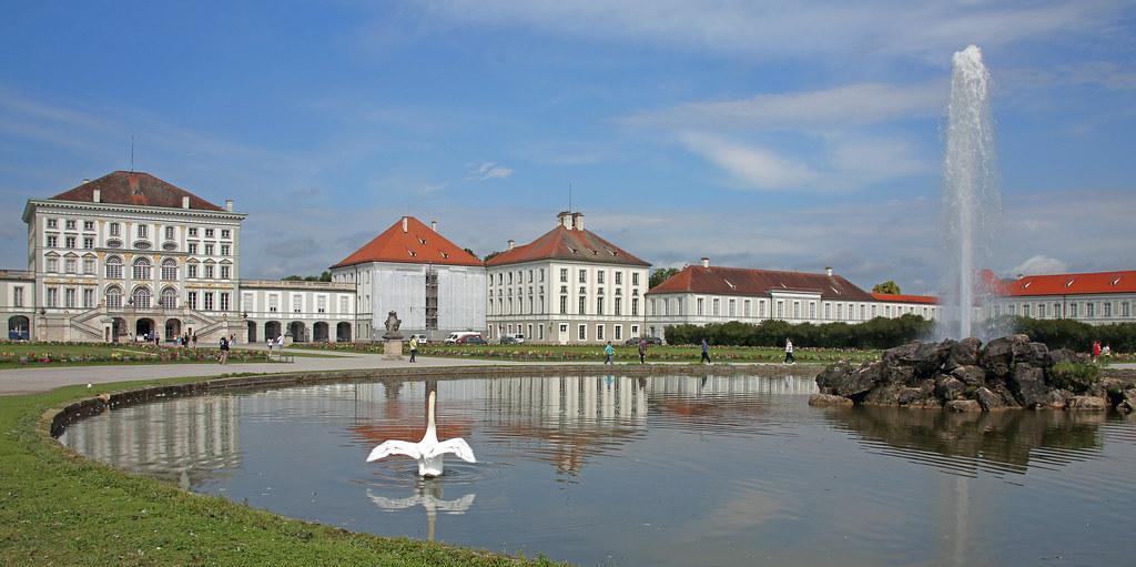 """Résultat de recherche d'images pour """"Nymphenburg Palace munich"""""""