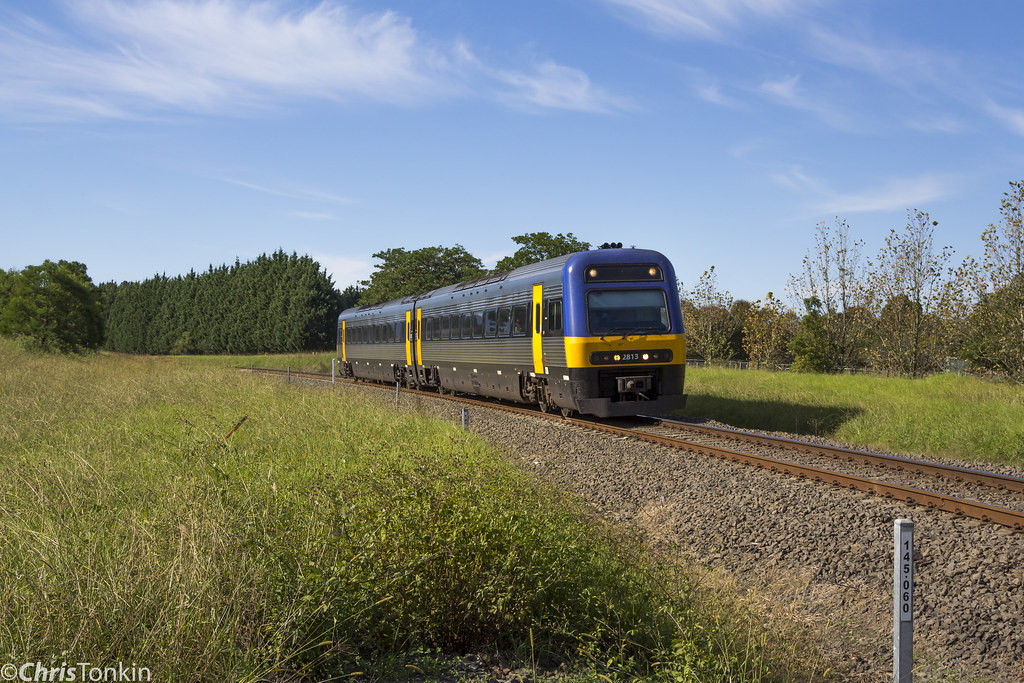 Endeavour set Bomaderry Service Jaspers Brush 16-4-17 by Chris Tonkin