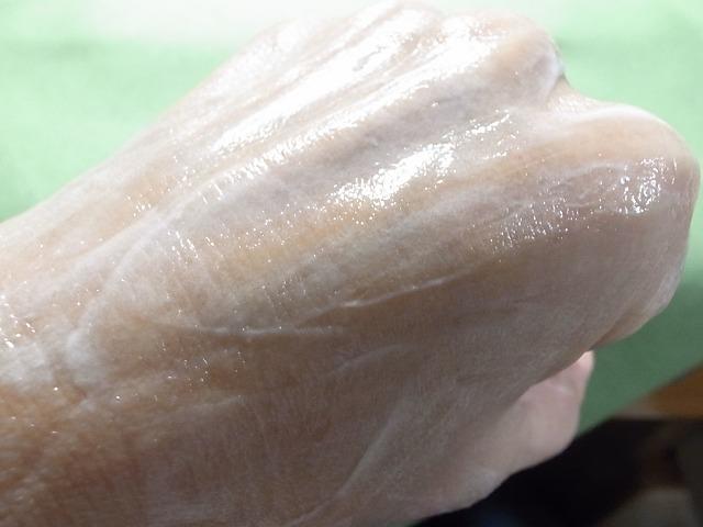 <p>g)伸びが良くて洗い流した後はスッキリ</p>