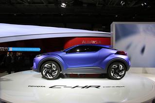 Toyota-CH-R-Concept-2014-09